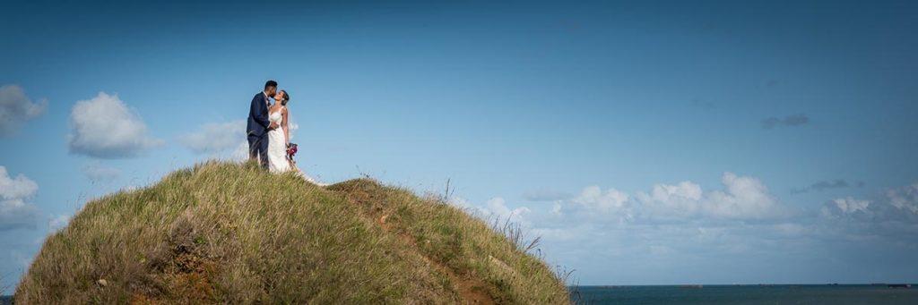 Séance photo de couple à longues sur mer en Normandie