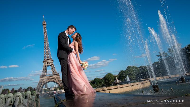 Trocadéro vue sur la tour Eiffel et les jets d'eau