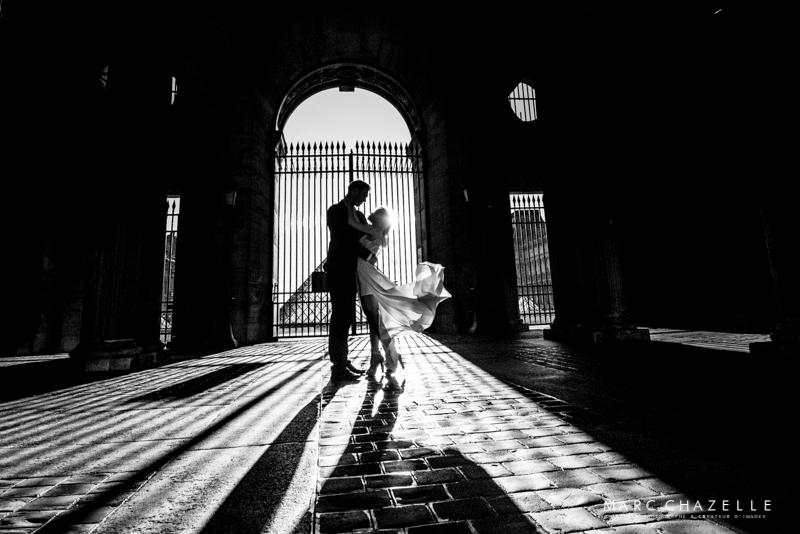 Louvre photo contre jour portail du Louvre