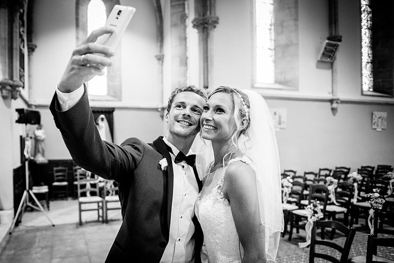 Selfie mariage église humour