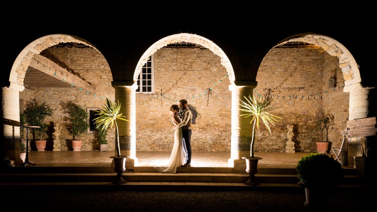 Photographie de mariage dans le superbe manoir de Chivré en Normandie